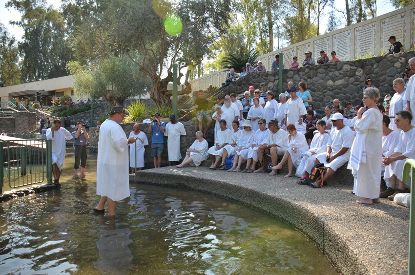 Baptisms in Israel at Yarding on a Vision Christian Tour